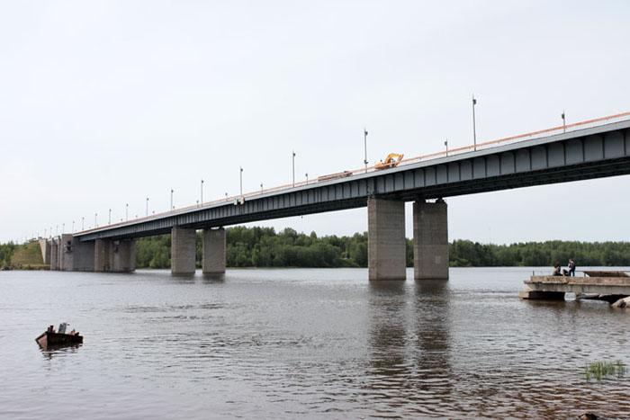 Капитальный ремонт Ладожского моста через реку Нева